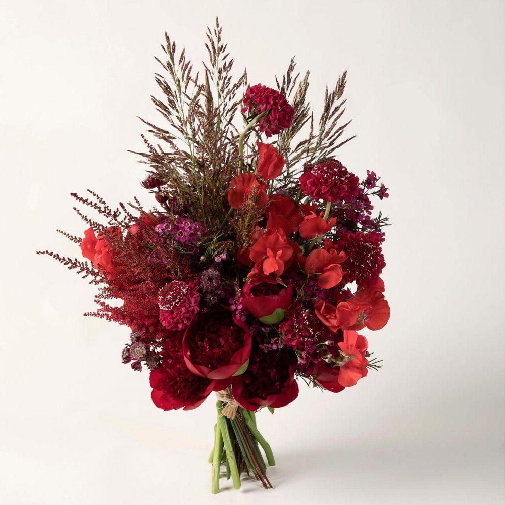 Bouquet structuré de fleurs fraîches