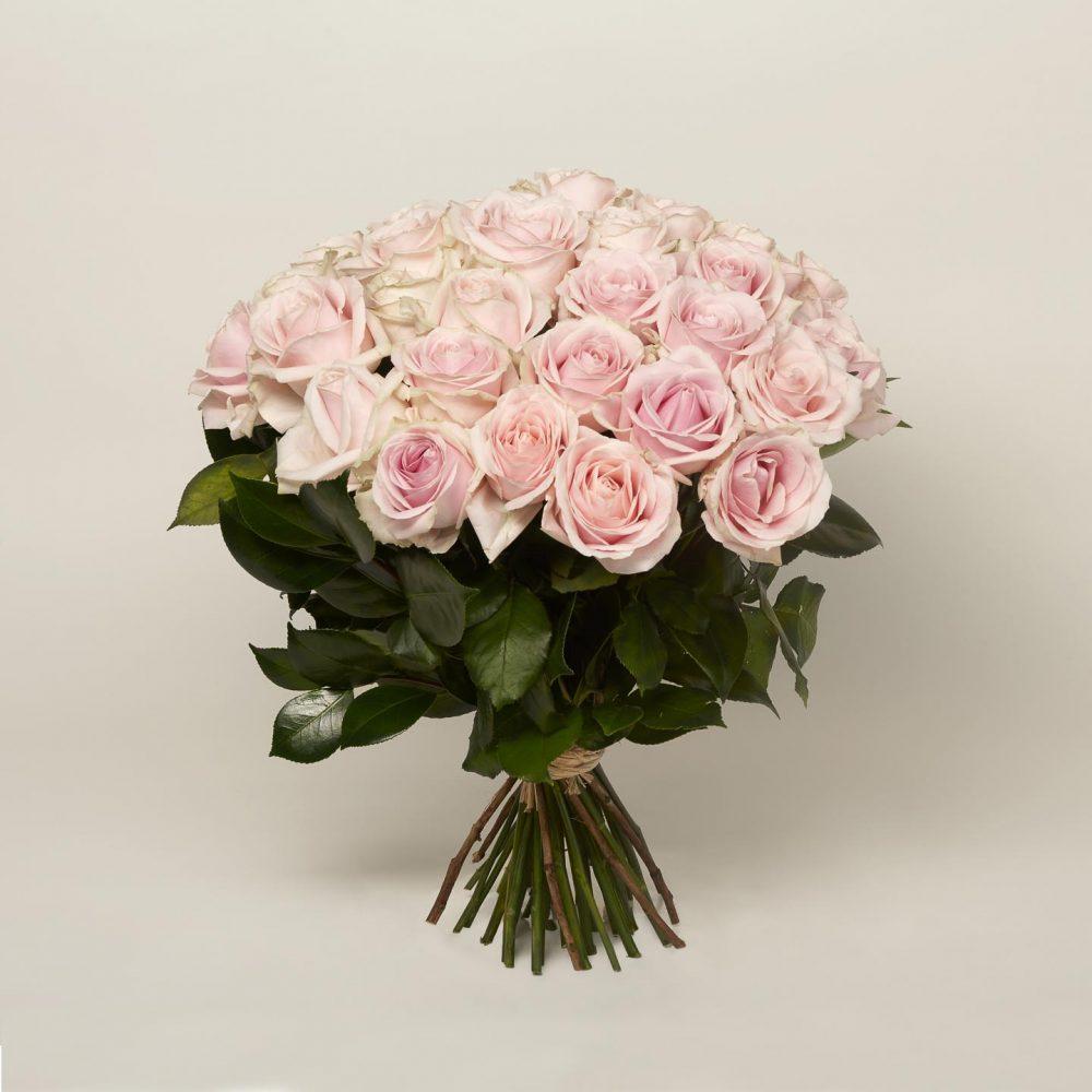 Brassée de roses longues tiges - Le brassée